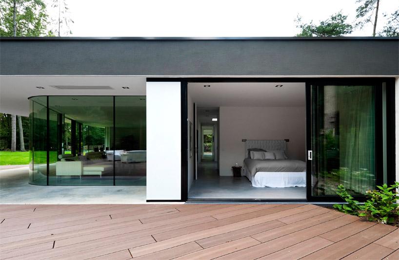 modern villa. Black Bedroom Furniture Sets. Home Design Ideas