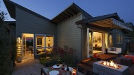 แบบบ้านชั้นเดียว : บ้านชั้นเดียวที่สุดแสนจะอบอุ่น  บ้านชั้นเดียว หลังนี้ สร้างที่ แคลิฟอร์เนียหลังนี้เป็นบ้านที่ มีแบบบ้านชั้นเดียวที่มีฟังชั่นการใช้งานที่ลงตัวมาก มี 2 ห้องนอน 1 ห้องน้ำ ในพื้นที่ใช้สอยประมาณ 135 ตรม. ด้วนรูปแบบที่ดูอบอุ่น มีการตกแต่งภายในที่ สวนงามอีกทั้งยังมีระเบียงที่ เอาไว้พักผ่อนหย่อนในในยามที่ต้องการพักผ่อน  แบบบ้านชั้นเดียวหลังนี้ ภายนอกเป็นรูปแบบบ้านโมเดิลแล้ว ยังมีการตกแต่งที่ดูให้ย้อนให้นึกไปถึงกระท่อมเล็กๆอีกด้วย